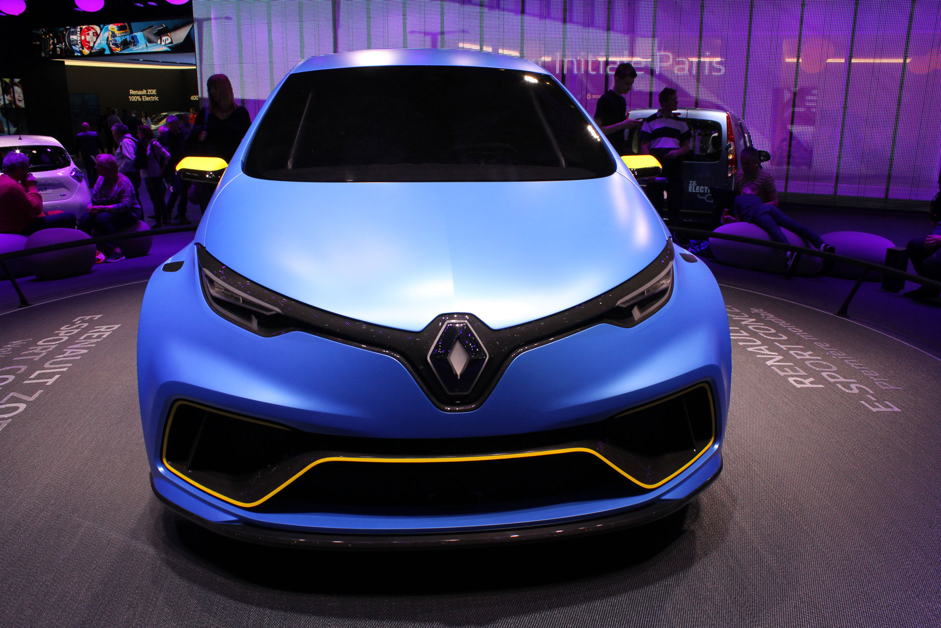Visione frontale Renault Zoe 462 hp Ginevra